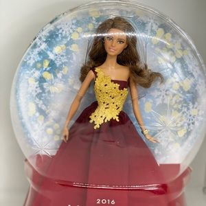 2016🔥NIB🔥HOLIDAY BARBIE COLLECTABLE